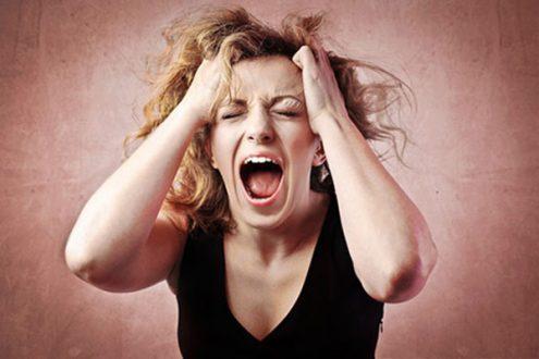 Cảm xúc thất thường dấu hiệu sắp có kinh